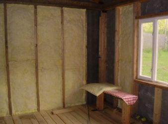 Как дешево утеплить дачный домик?